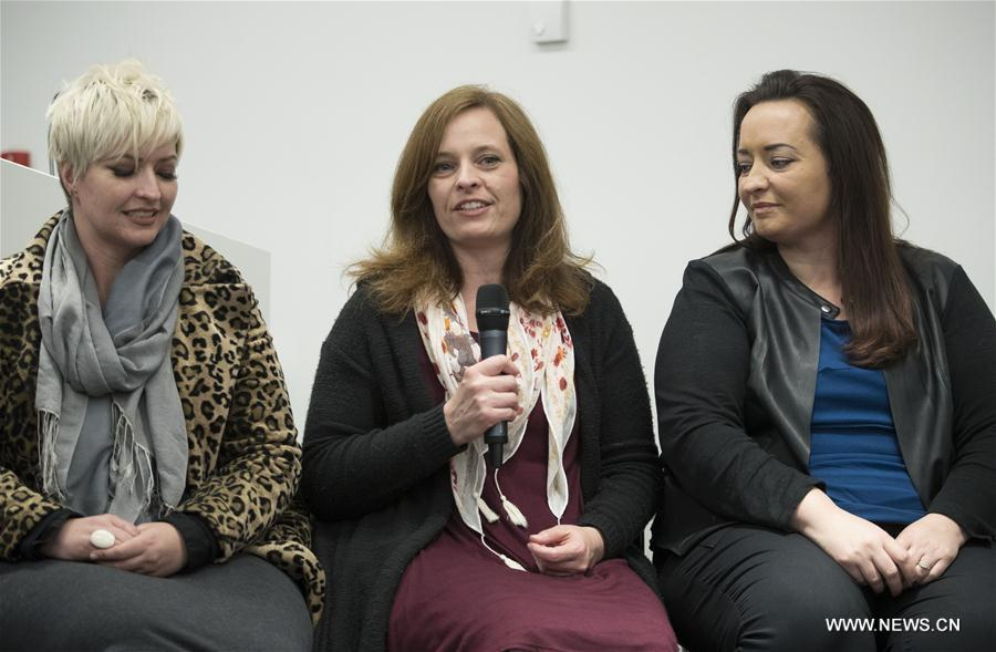 Dimmon Payne (R) and Sandra Payne, parents of Melissa who was injured and whose husband Kurt Cochran was killed in the London attack, attend a press conference along with other family members at New Scotland Yard in London, Britain, on March 27, 2017. (Xinhua)