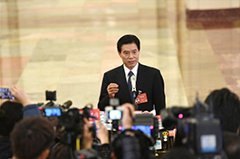 China to adjust trade growth pattern: commerce minister
