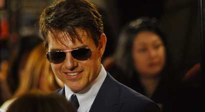 "Tom Cruise guns for glory in ""Top gun 2"""