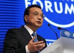 Premier Li Keqiang attends Summer Davos Forum in Dalian
