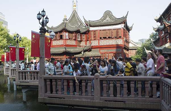 Tourism booming during China's National Day holiday
