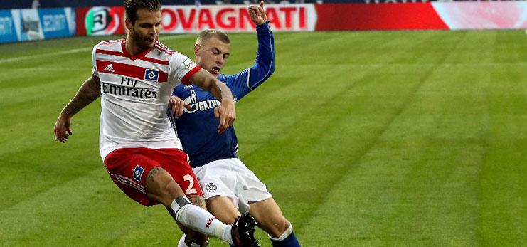 German Bundesliga: Schalke 04 beats Hamburg SV 2-0