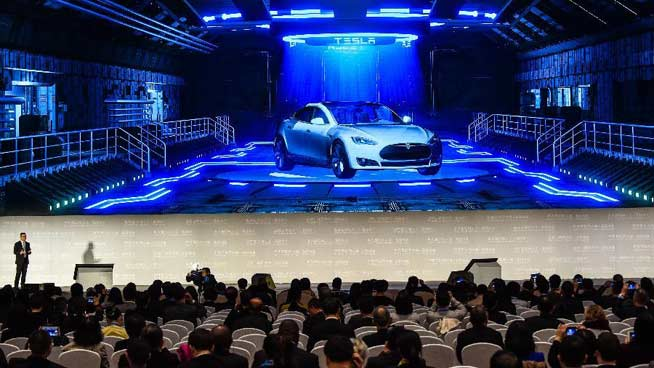 China's internet policy, Baidu smart cars in focus