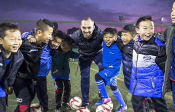 Pic story: Spanish soccer coach's teaching career in China