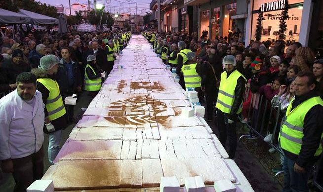 Greek bakers wish Happy New Year with 2.5-ton special cake