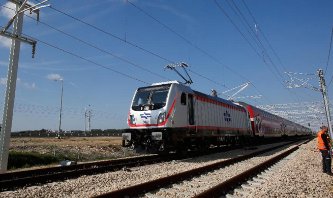 New Jerusalem-Tel Aviv express train makes first test run