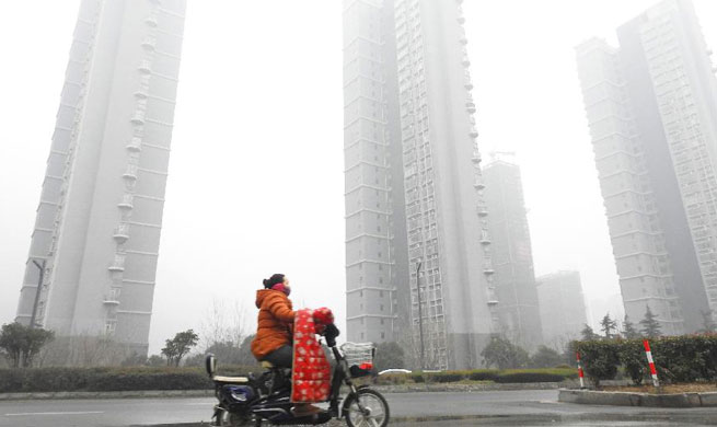 North, east China continue yellow alert for heavy fog