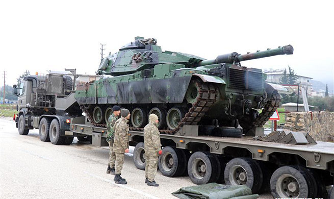 Turkey deploys more tanks to Syrian border