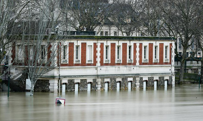 1,500 evacuated in Paris, surrounding zones as Seine river keeps rising
