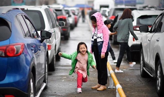 Travel delay continues in Haikou, S China's Hainan