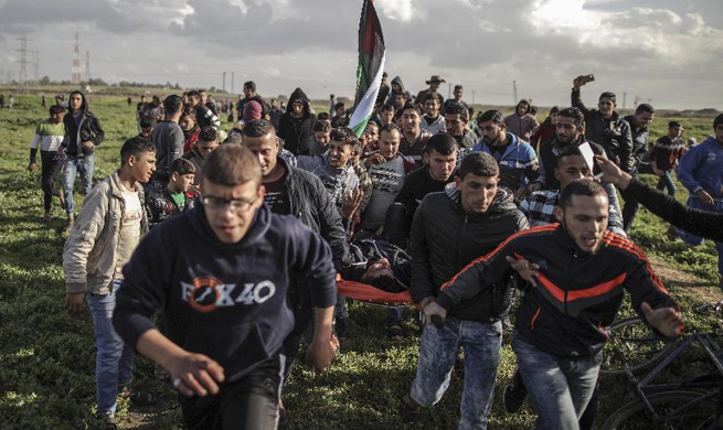 32 Palestinians injured in clashes with Israeli soldiers in West Bank, Gaza