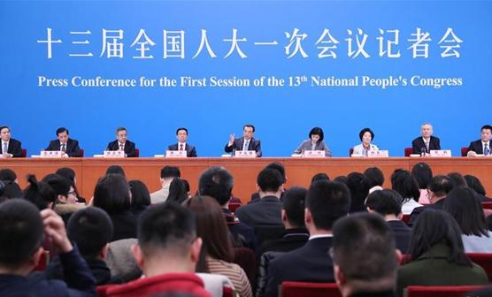 No winner in China-U.S. trade war: Premier Li