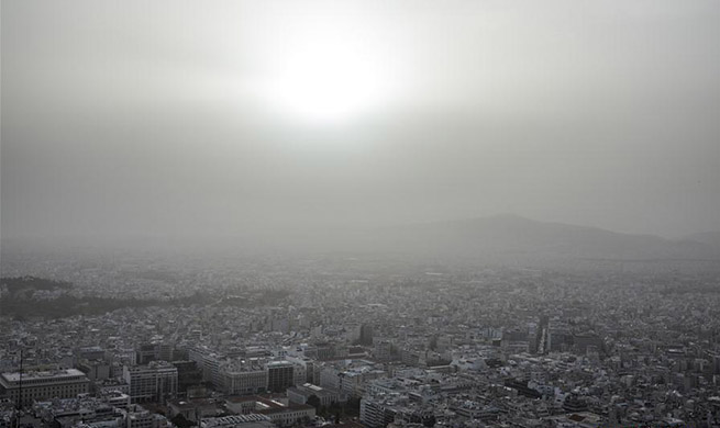 Dust storm blankets Athens