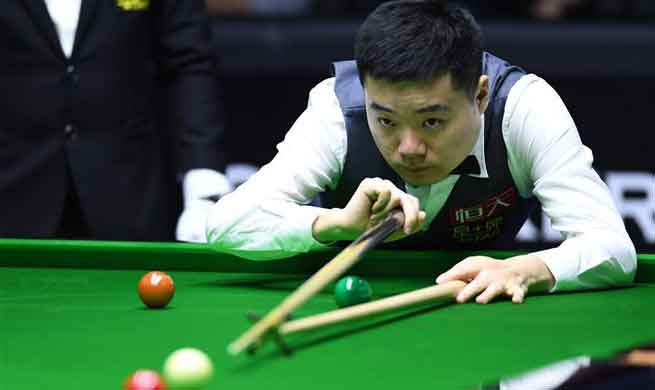 Ding Junhui beats Craig Steadman 6-4 at World Snooker China Open