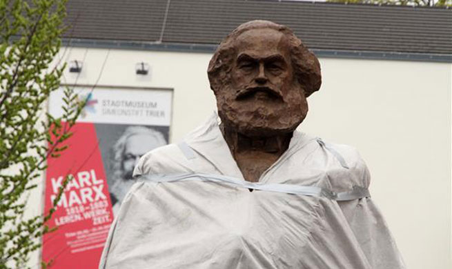 Karl Marx statue as gift from China erected in Trier