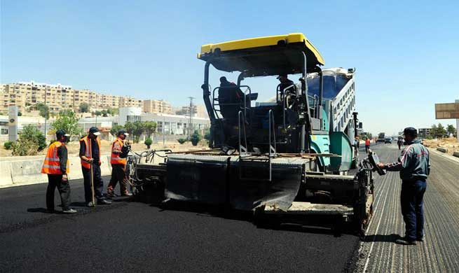 Syrian gov't starts reconstruction work of main highway linking Damascus