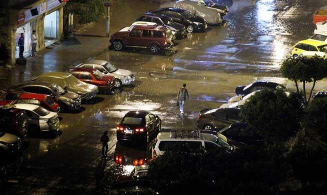 Heavy rain hits Cairo, Egypt