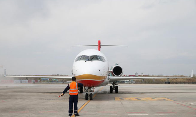 China Focus: China's ARJ21 regional jetliner flies new routes in extreme cold region
