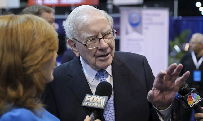 Buffett says world depends on U.S., China for growth