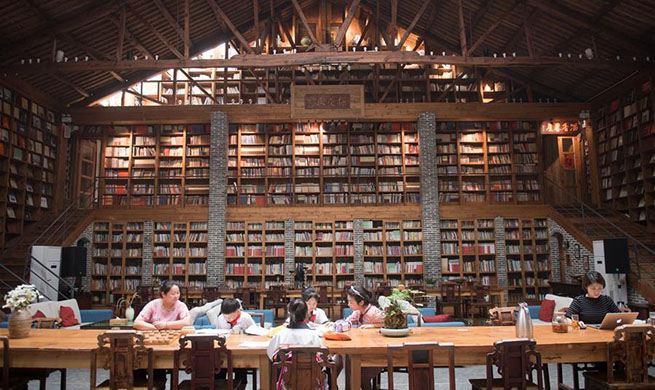 Library in hostel attracts tourists in east China's Zhejiang
