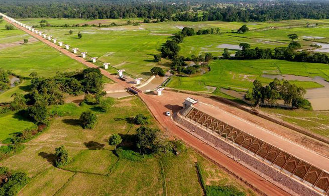 Main construction work of longest bridge along China-Laos railway completed