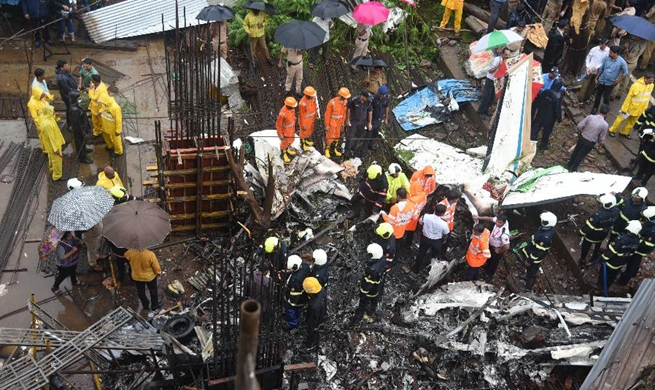 5 killed in plane crash in India's Mumbai