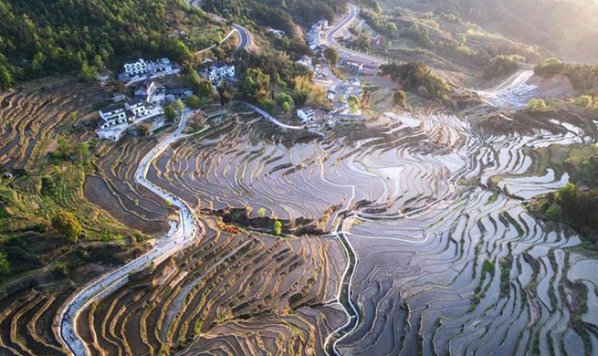 Huanggang in C China's Hubei develops rural tourism for poverty relief