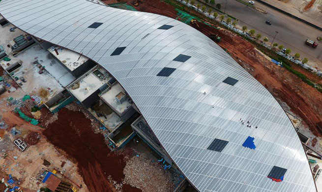 Pavilion of 12th China Int'l Garden Expo under construction in Guangxi