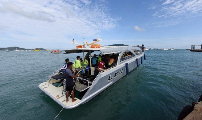 At least 33 killed, 23 still missing after boats capsize in southern Thailand