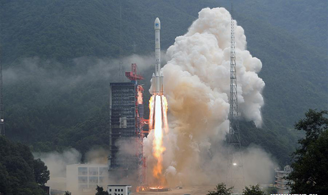 China launches new twin BeiDou navigation satellites