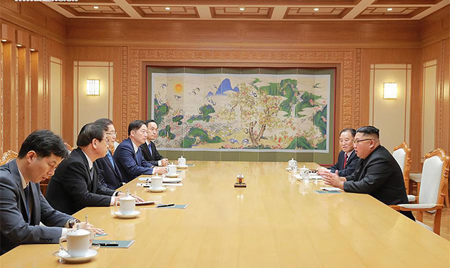 Kim Jong Un meets with Moon Jae-in's special envoys in Pyongyang