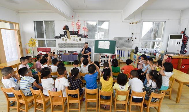 Teacher's Day: first and only male teacher at Xiaoxihu kindergarten in Nanjing