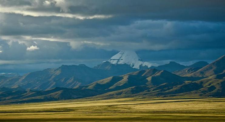 View of Mount Kangrinboqe in SW China's Tibet