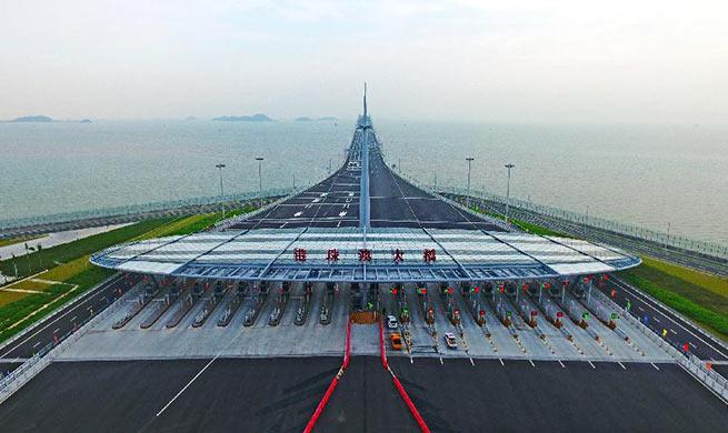 China Focus: World's longest cross-sea bridge opens to public