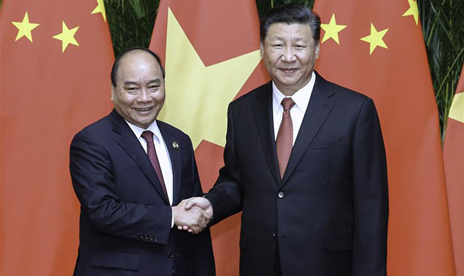 Xi meets Vietnamese prime minister