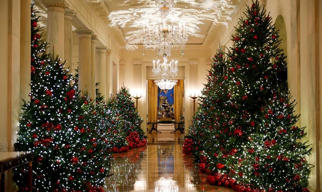 White House decorated for Christmas