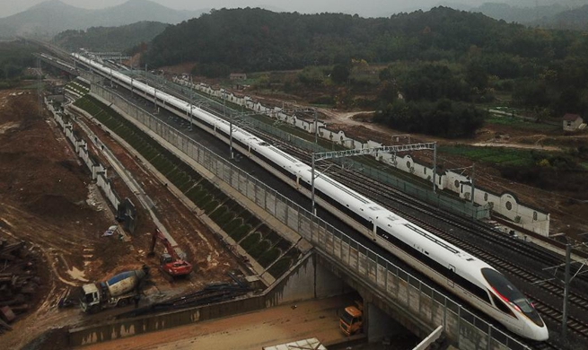 China to put 10 new railways into service by end-2018