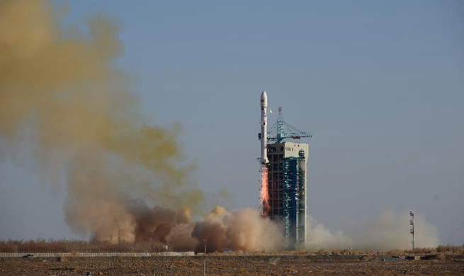 China launches six Yunhai-2 satellites for atmospheric environment research