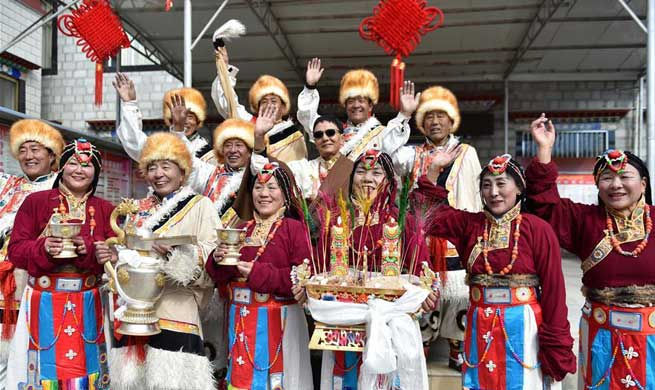 People celebrate Tibetan New Year, Spring Festival in Lhasa