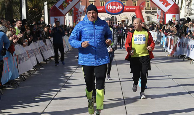 Slovenian president takes part in 19th Split half-marathon in Croatia