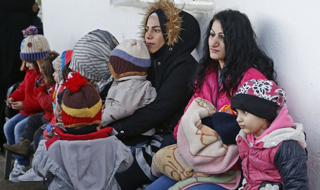 Hundreds of Syrian refugees return from Lebanon