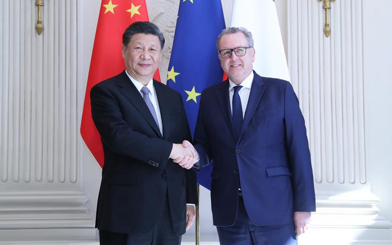 Xi highlights spirit of independence in meeting with French National Assembly president