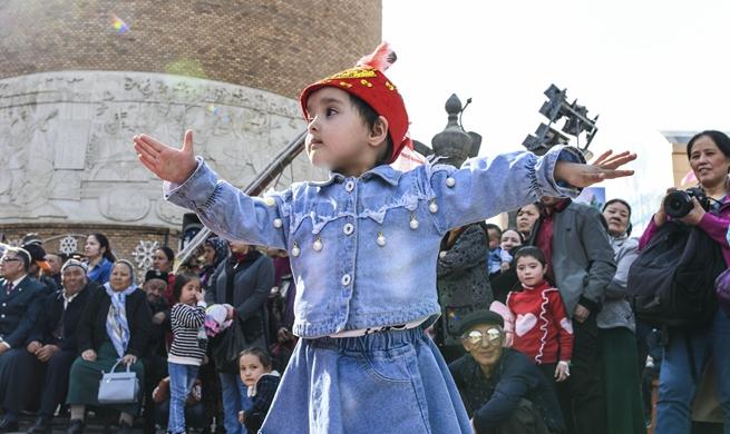 Tourism booms in NW China's Xinjiang