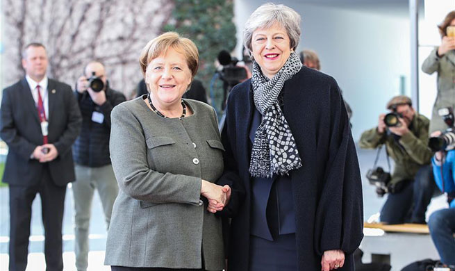 Merkel meets with Theresa May in Berlin