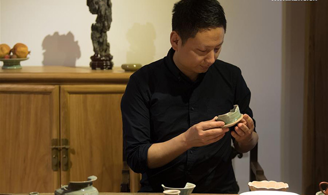 Pic story of celadon maker in east China's Zhejiang