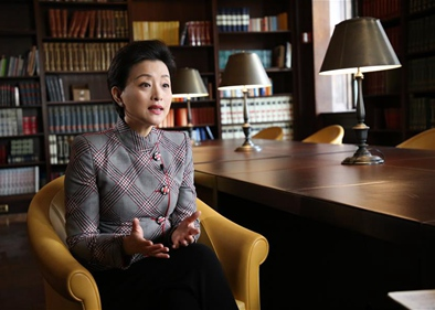 Interview: Chinese female celebrity says it comes to the age of gender revenue of women