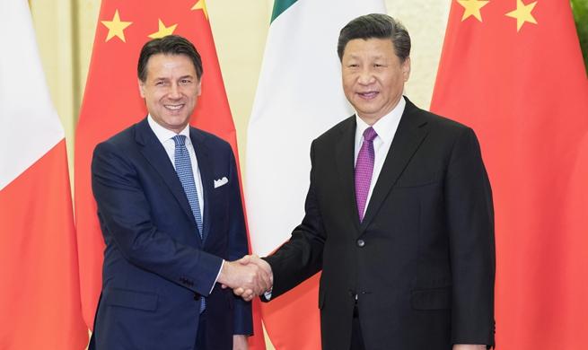 Xi meets Italian prime minister