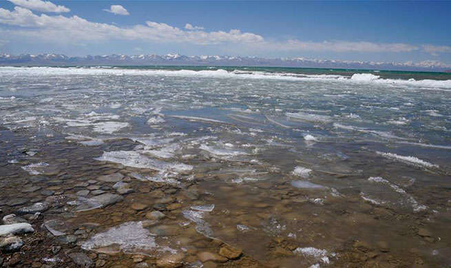 Namtso Lake enters tourism season as temperature rises, ice melts