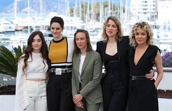 "In pics: photocall for film ""Portrait de la jeune fille en feu"" in Cannes"