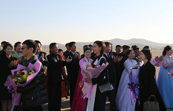 Chinese delegation of literary and art workers visits DPRK